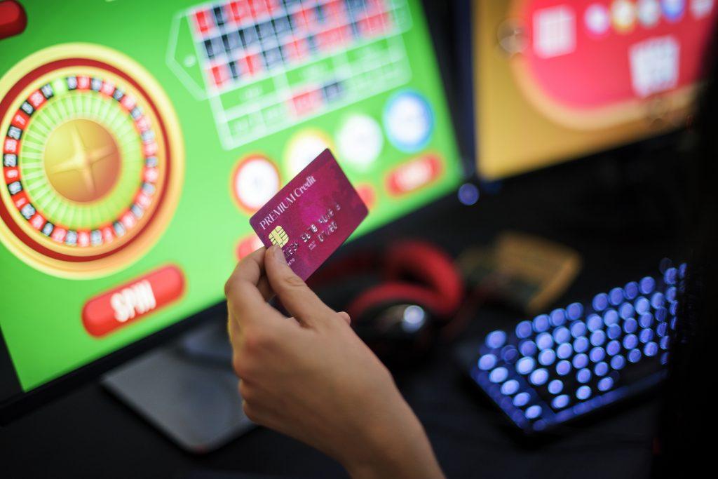 オンラインカジノ 入出金